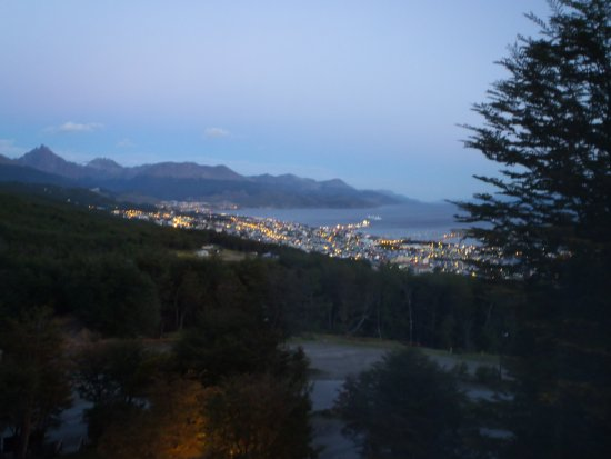 Las Hayas Ushuaia Resort: City view from the room