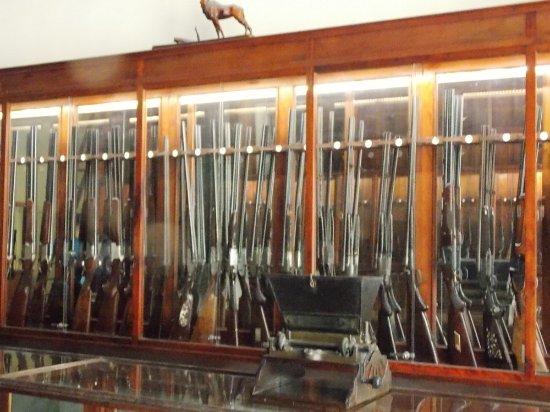 Museo Armeria 9 de Abril