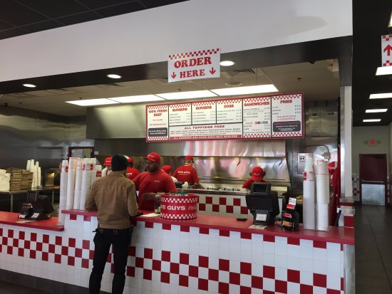 New Albany, Ιντιάνα: Familiar set up at Five Guys