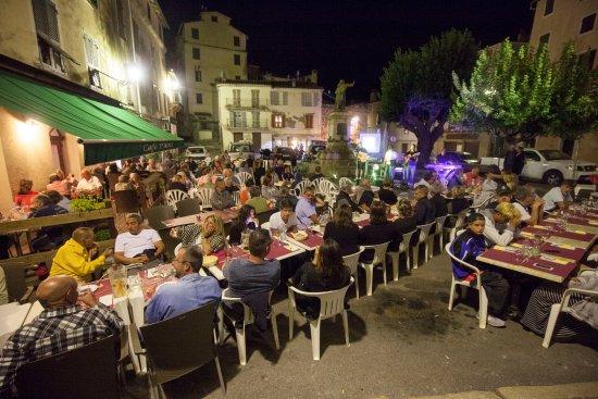 Repas entre amis en aout au caf paoli avec super concert for Repas avec des amis