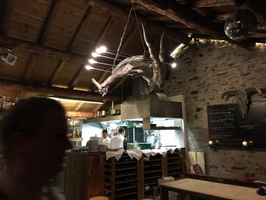 Sils im Engadin, Schweiz: Wunderbarer Kuhstall. Die Atmosphäre ist nicht zu überbieten.  Bravo!!!!!!!!!