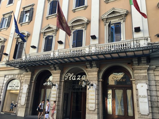 This front of the grand hotel plaza roma picture of for Grand hotel rome
