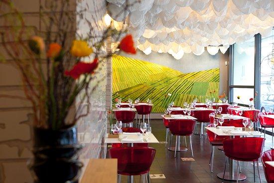 Photo of Modern European Restaurant Wein am Rhein at Johannisstr. 64, Cologne 50668, Germany