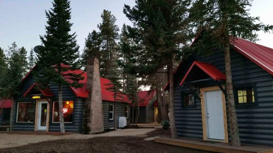Yellowstone Cabins and RV Park: Remodeled and updated in 2017