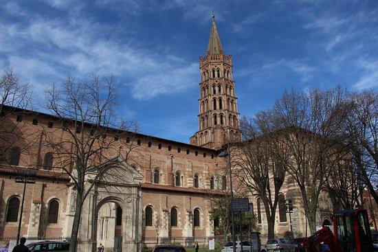 Basilique Saint-Sernin : La Basílica por afuera.
