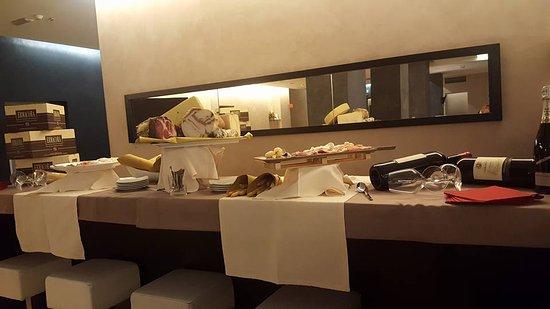 Ronchi dei Legionari, Italy: Lounge Bar - Aperitivo
