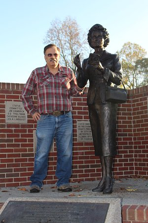 Metropolis, IL: Standing with the statue.