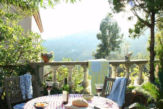 La Bastide Saint Christophe : Top Apartment outdoor dining