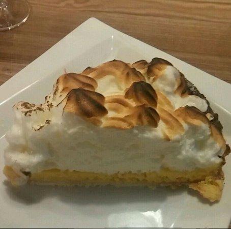 Flaine, Francja: Une tarte orange meringuée delicieuse!