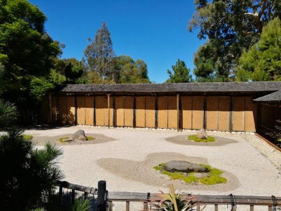 Himeji Gardens   Sand Garden