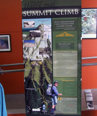 New Plymouth, New Zealand: long climb to the summit info
