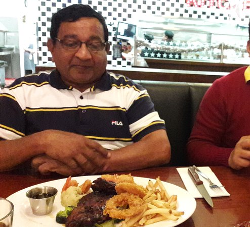 Narre Warren, Austrália: Enjoying the meals