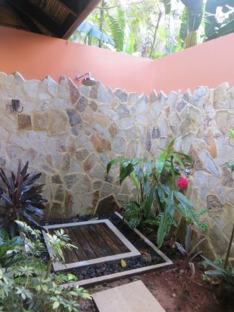 Rio Celeste Hideaway Hotel: ducha externa