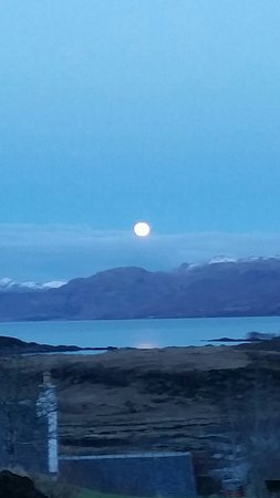 Ardvasar, UK: Moon light night at Homeleigh skye 💜
