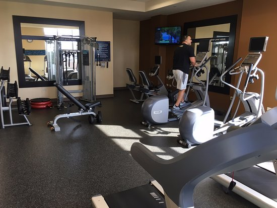 Hampton Inn & Suites Austin at The University/Capitol: gym on 5th floor