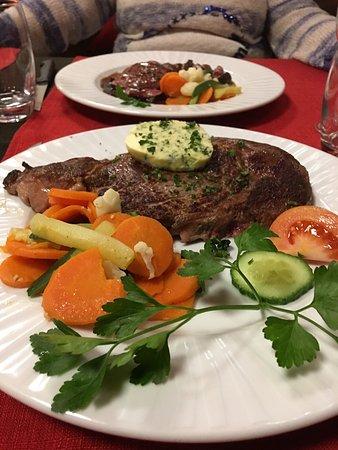 Huttenheim, Frankrike: Entrecôte de boeuf maîtred'hôtel et légumes frais