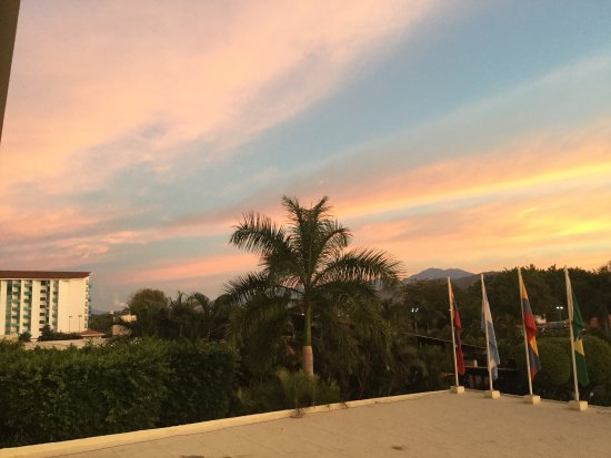 Barcelo Ixtapa: Not a very exciting view from Room 101. Well, ok, the sunrise was colourful.