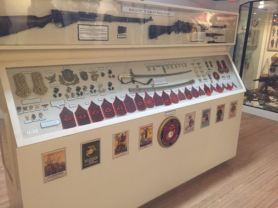 Ruston, LA: Weapons and uniform items unique to U.S. Marine Corps