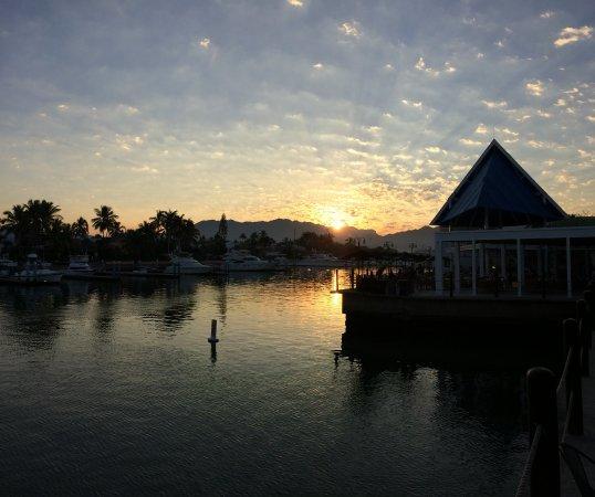 Vamar Vallarta All Inclusive Marina and Beach Resort: Breakfast at sunrise