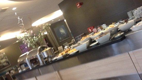 St Paul Plaza Hotel: Café da manhã
