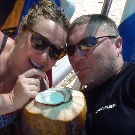Tambor, Kostaryka: Oh! There are guys on the beach who'll take a big coconut & make you a rum drink for 3000 colone