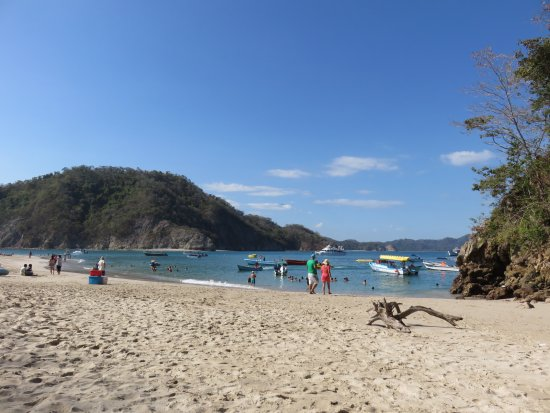 """Tambor, Kostaryka: View from where we lounged on the """"cool"""" end of the beach that Pura Vida has reserved."""