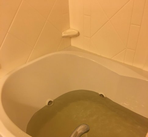 Madison, Миссисипи: colored water
