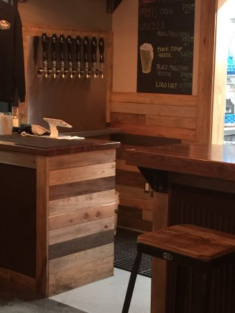 Alpena, MI: Austin Brothers Beer Company