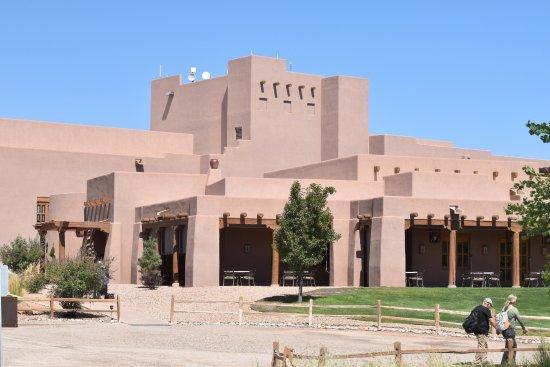 Santa Ana Pueblo, NM: Back entrance to Hotel