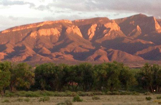 Santa Ana Pueblo, Nuovo Messico: Local Mountain Range View form Hotel