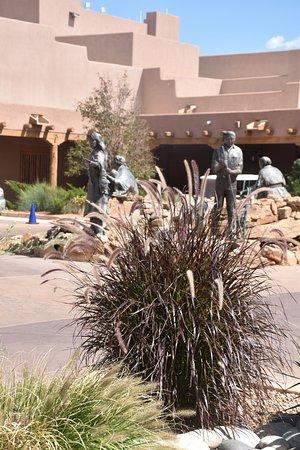 Santa Ana Pueblo, Nuovo Messico: Courtyard to Hotel Entrance