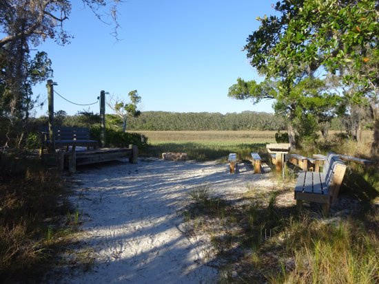 Little Talbot Island State Park: Small marshfront ampitheter with electricity available