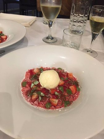 Baulkham Hills, Australia: Strawberry shortcake