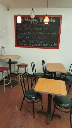 Johnson City, Nova York: Your cozy comfy seating indoors.
