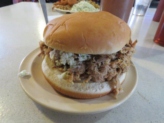 Pittsboro, Βόρεια Καρολίνα: BBQ Sandwich