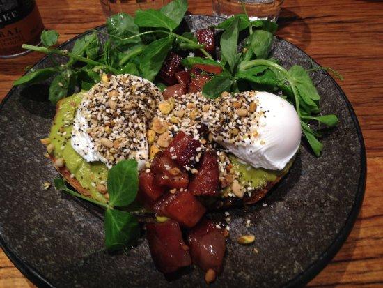 Windsor, Australia: Poached Eggs, Avocado, Bacon cubes