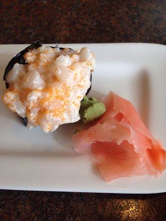 Longview, WA: Creamy scallop sushi