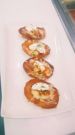 Springwood, Australia: Potato Skins, perfect as an entree or a light meal