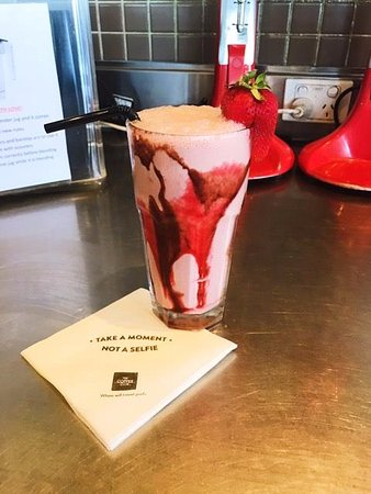 Springwood, Australia: Cool down this weekend with our Cherry Ripe Milkshake(Only available for a limited time)
