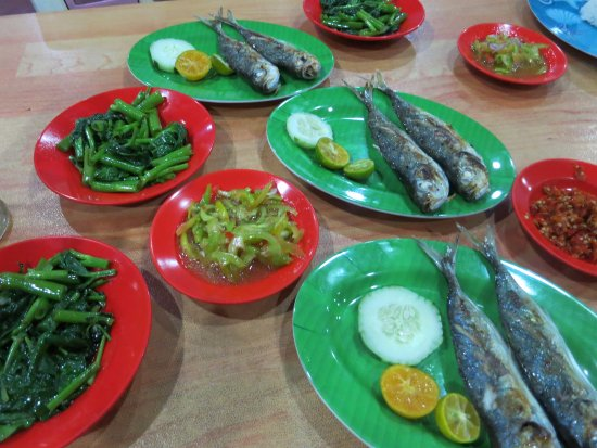 9 Rekomendasi Wisata Kuliner Khas Manado