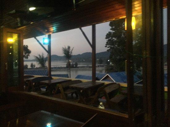 Tharathip Resort: photo2.jpg