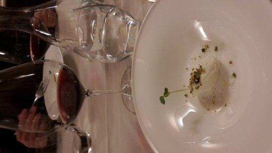 Serralunga d'Alba, Italie : 20170210_201525_large.jpg