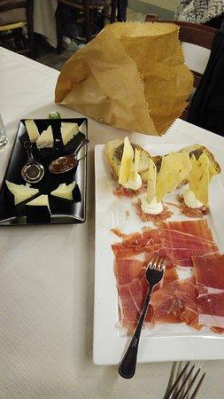 Trevi, Ιταλία: selezione formaggi