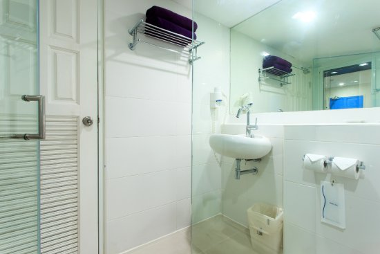 Samui Verticolor: Deluxe Studio- Bathroom