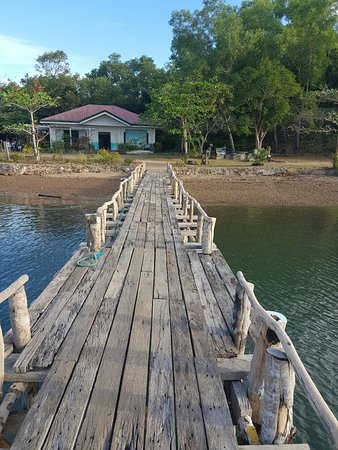 布蘇安加島照片