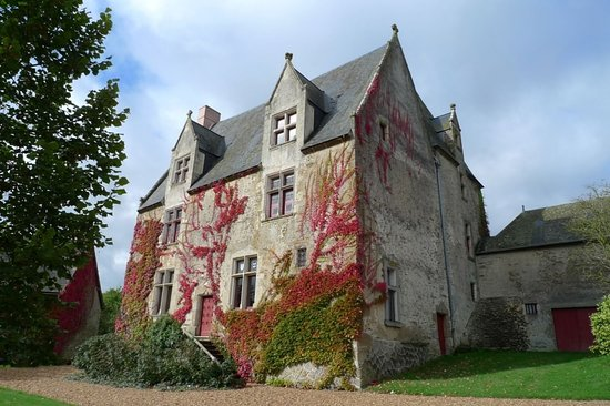 Saint-Germain-de-Coulamer, France : Manoir de Classé façade sud