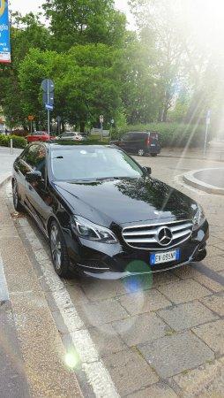 Black Milan Car di Samuel Manisi