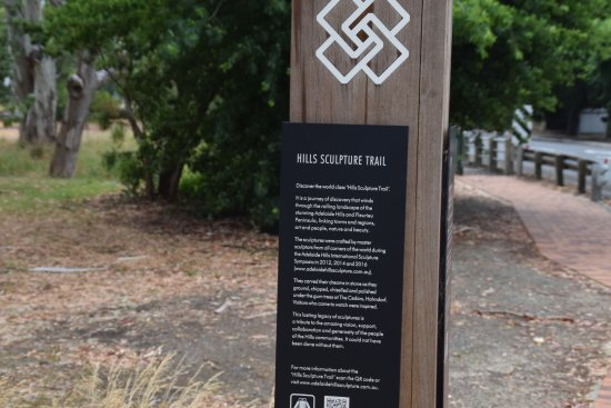 Hills Sculpture Trail: Woodside