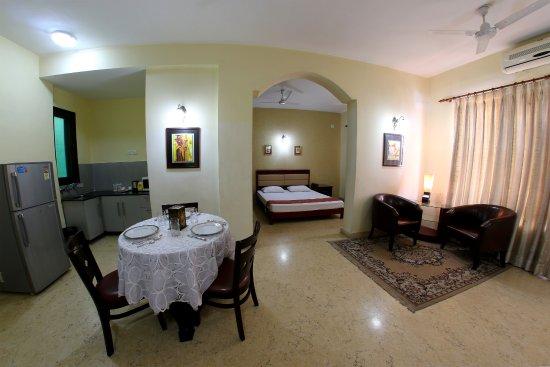 Enkay Residency V Block : King Suite Room (1 bhk)