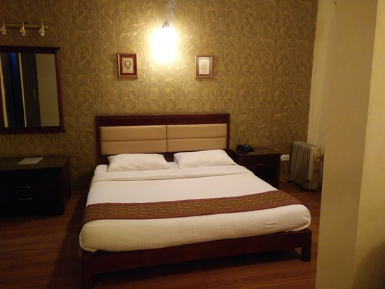 Enkay Residency V Block: Suite King Bed